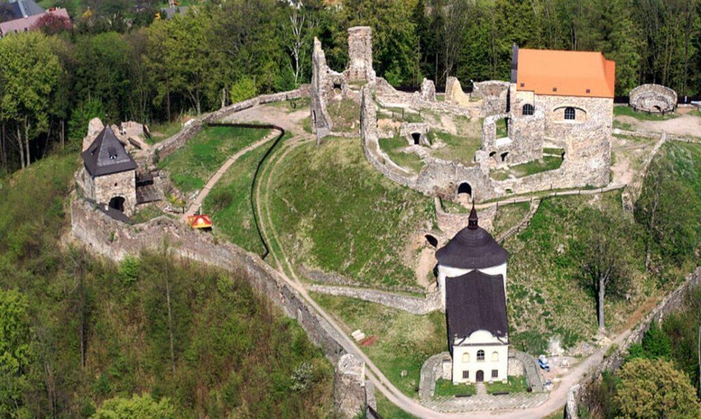 hrad potstejn