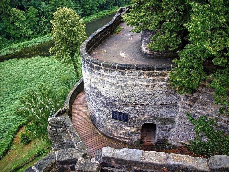 skalni hrad