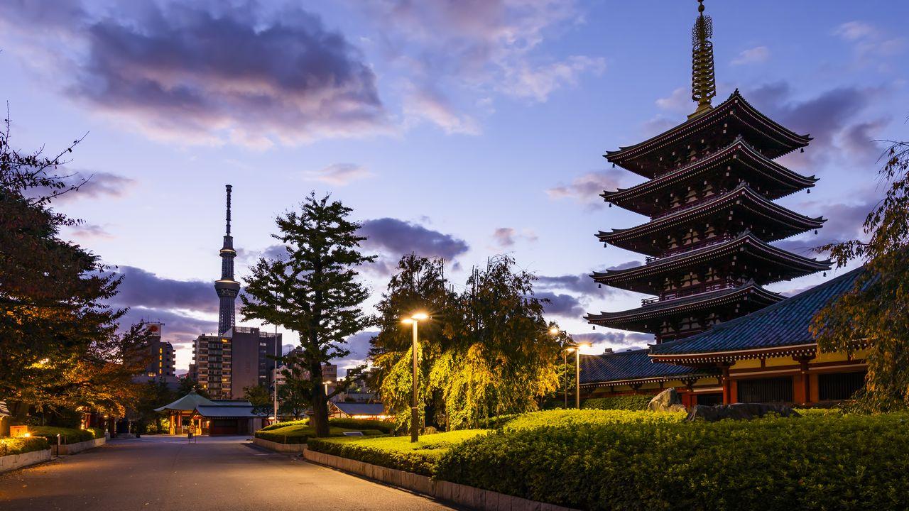 Asakusa při západu slunce Japonsko