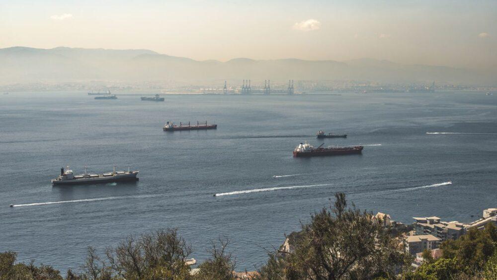 Lodě u Gibraltaru