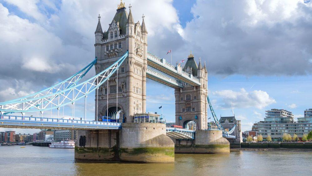 Pohled na most v Londýně