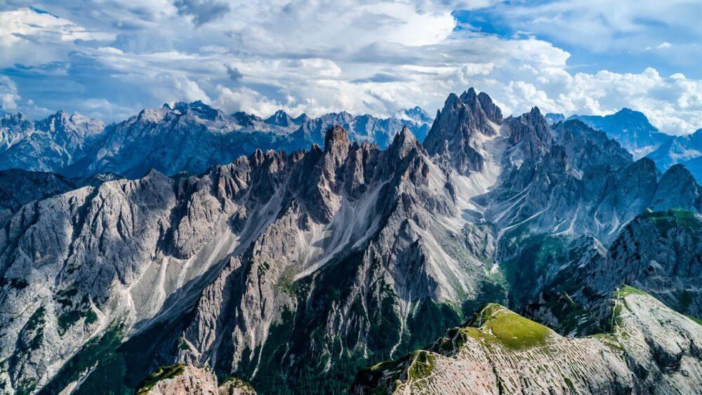 Tři štíty v oblasti Dolomity
