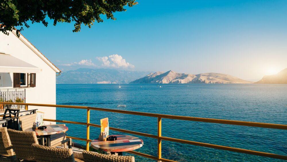 Vyhled-na-more-ostrov-Krk