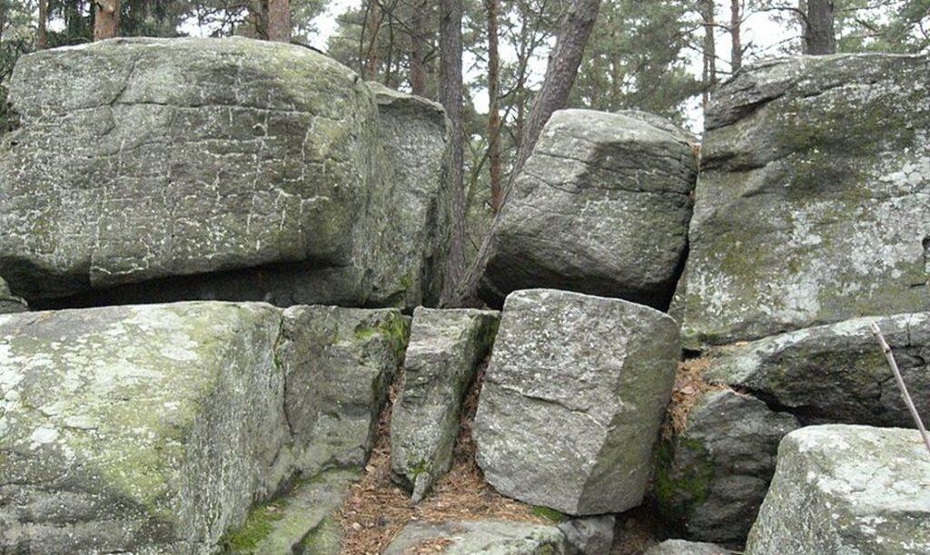 bozi kameny