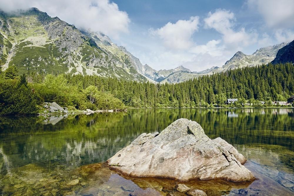 Jezero ve Vysokých Tatrách