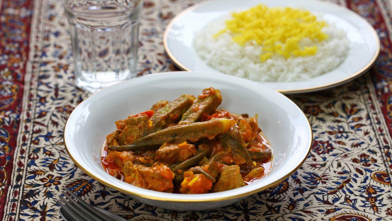 Khoresh bamieh - iránské jídlo
