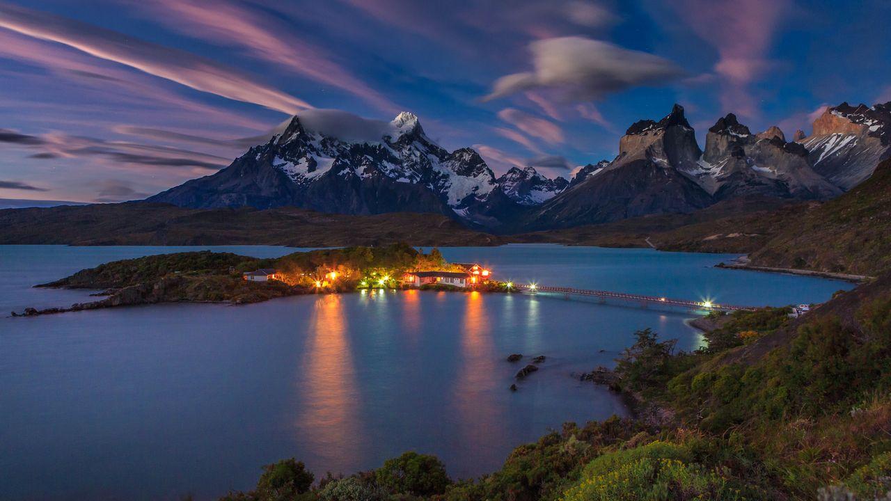 Lago Pehoe - Národní park Torres del Paine