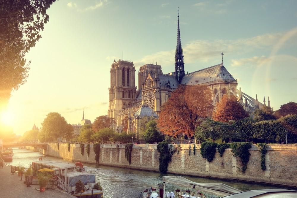 Notre Dame při západu slunce