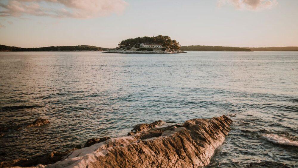 Ostrov-hvar