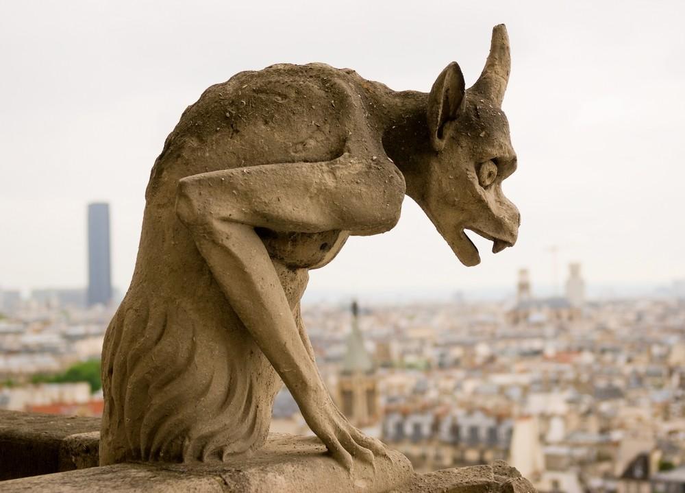 Socha Notre Dame