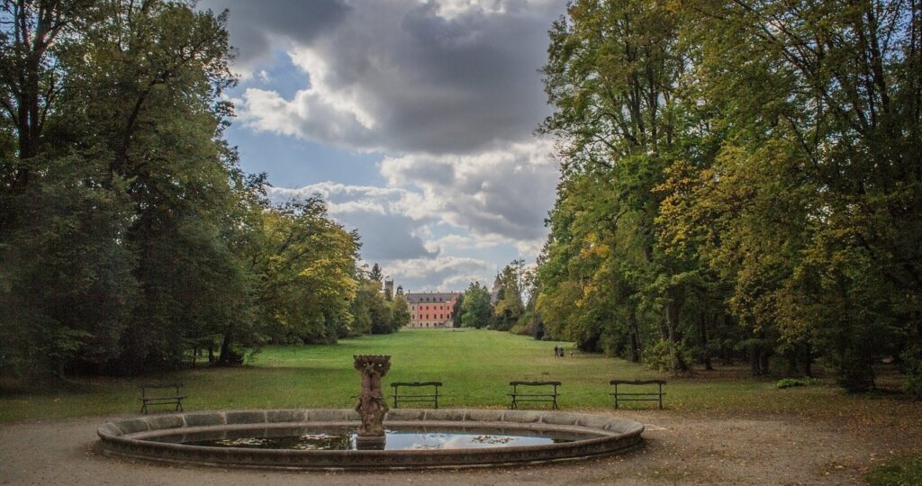 park zamek sychrov