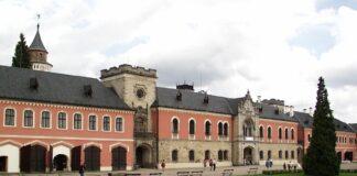 sychrov zamek