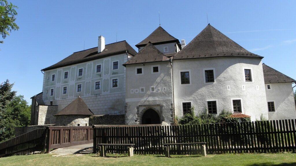 nove hrady