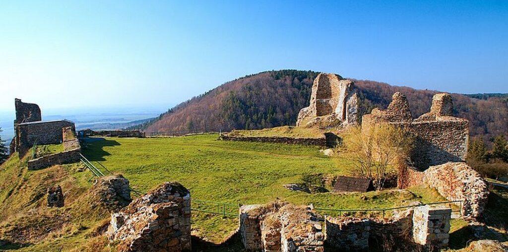Zricenina hradu Lichnice