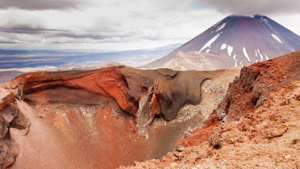 Aktivni-vulkan-Tongariro