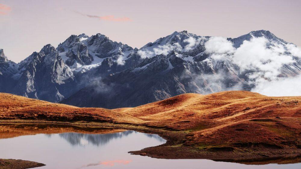 Koruldi-jezero-Kavkaz