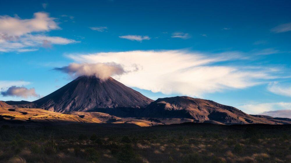 Mt.-Ngauruhoe-v-Tongariro