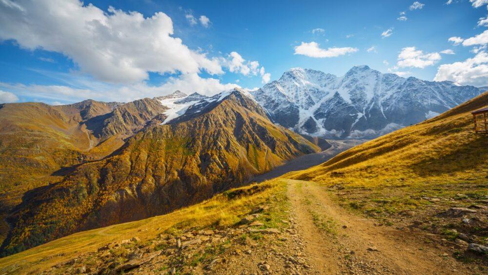 Polni-cesta-Kavkaz