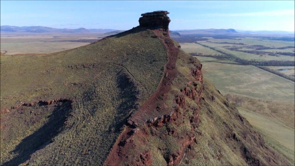 Stonehenge-na-sibiri-sunduki