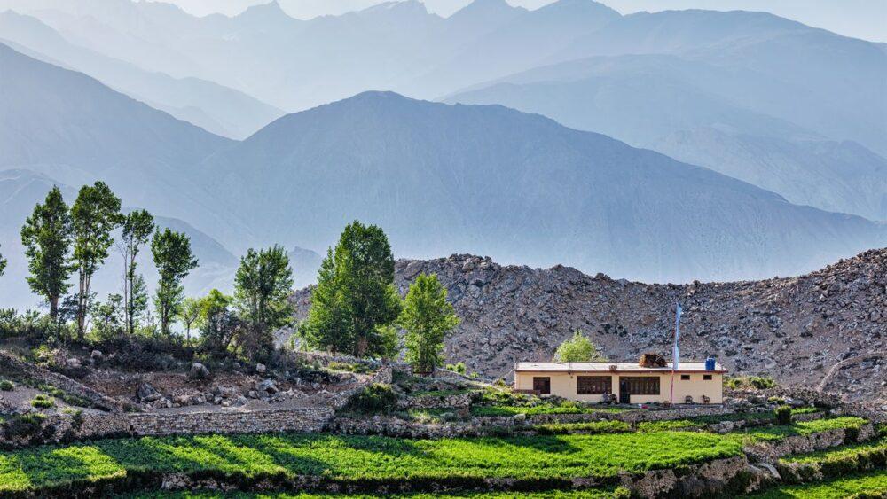 Vesnice-v-Himalajich