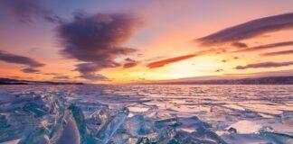 zmrzle-jezero-Bajkal-pri-zapadu-slunce