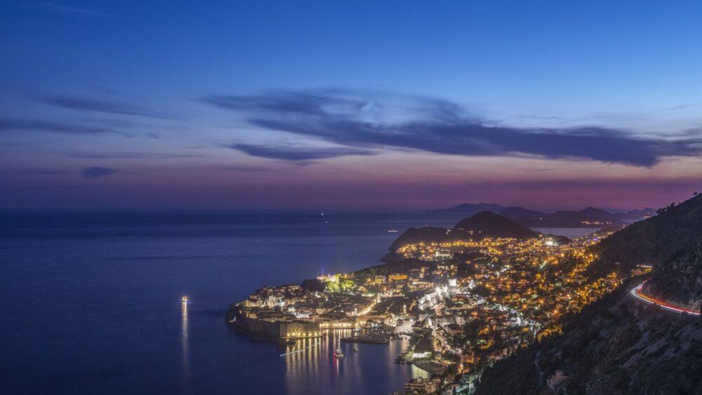 Dubrovnik-v-noci